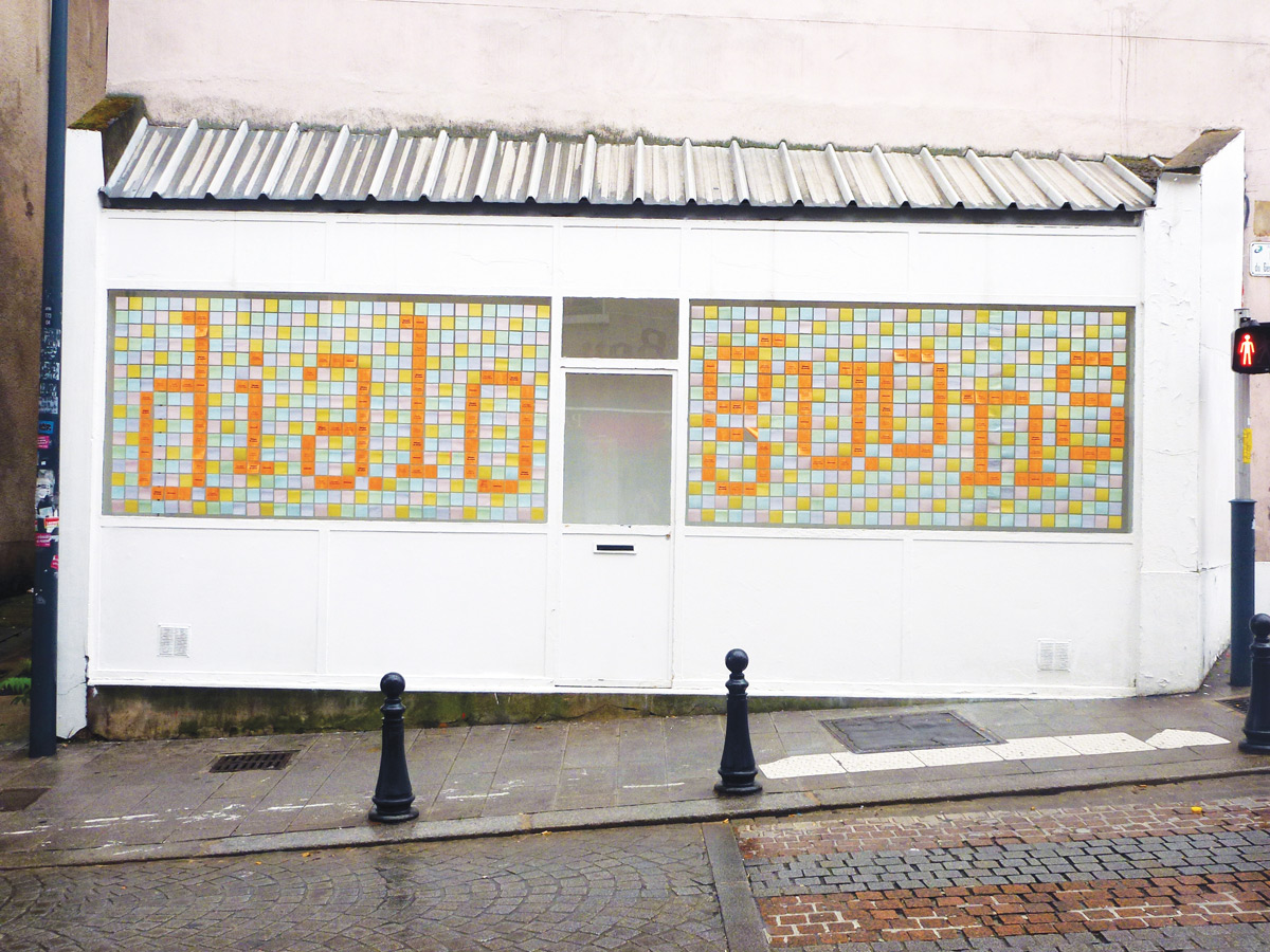 Louise Devalois graphiste Toulouse installations
